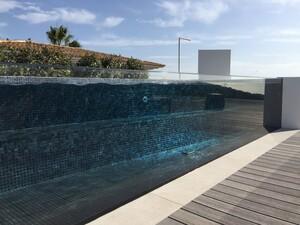 Open Top Fenster für Kachel-Pools