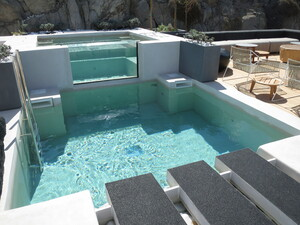 Overflow Pool Glazing in Mykonos